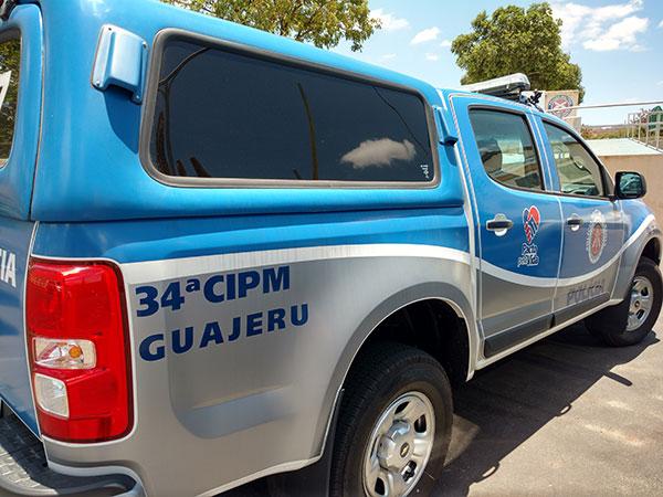 Guajeru: Homem é preso com arma de fogo e armas brancas após agredir a própria irmã