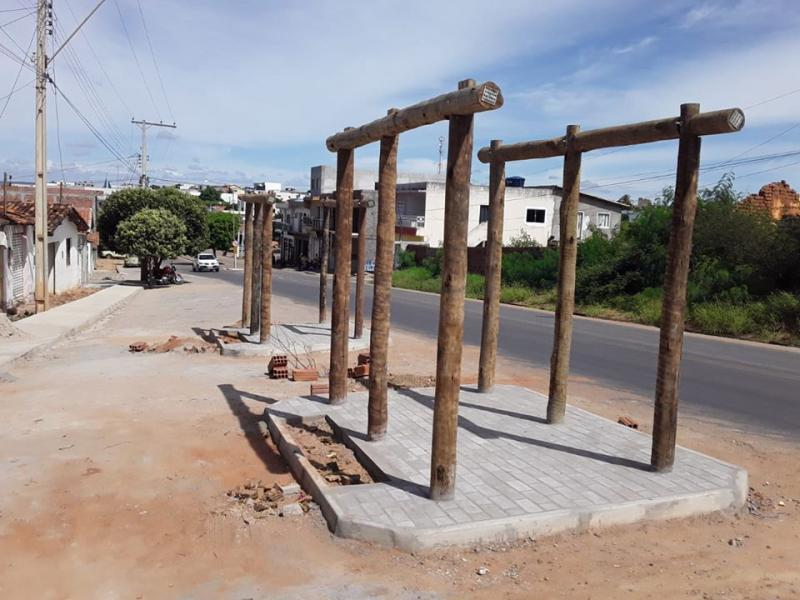 Malhada de Pedras: Estão em fase final as obras de pavimentação e urbanização da Avenida Catarino Pereira dos Santos