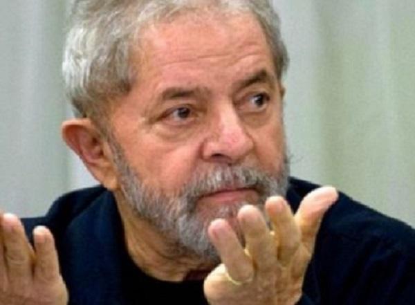 TSE quer impedir que Lula apareça como candidato do PT em propaganda de TV