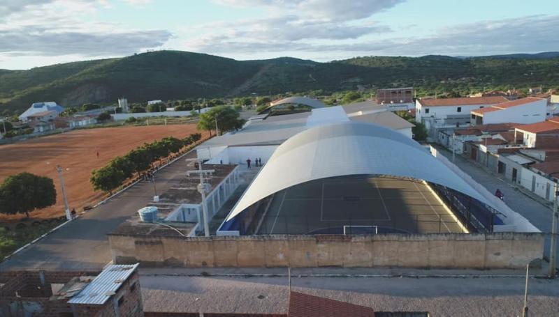 Prefeitura de Brumado realiza inauguração da reforma da Quadra Poliesportiva Lucílio de Castro Meira