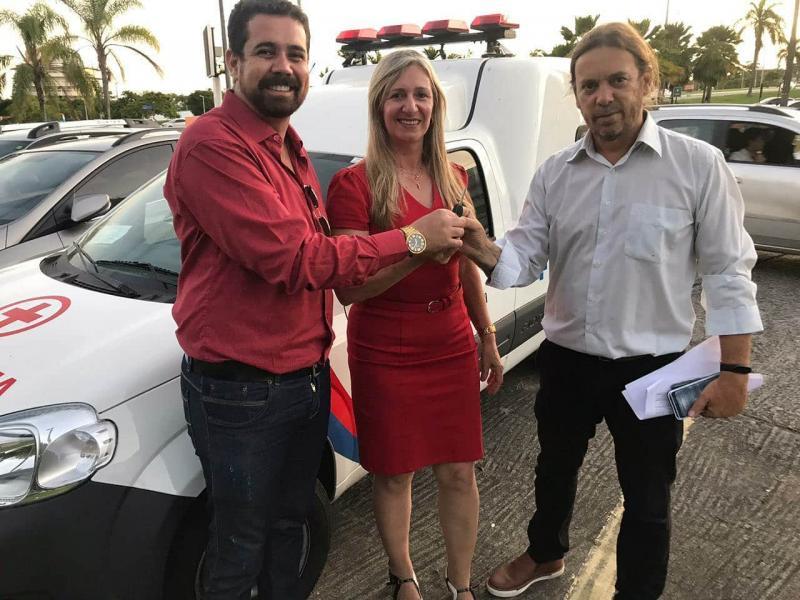 Em viagem a Salvador, prefeita de Malhada de Pedras consegue mais uma ambulância para o município