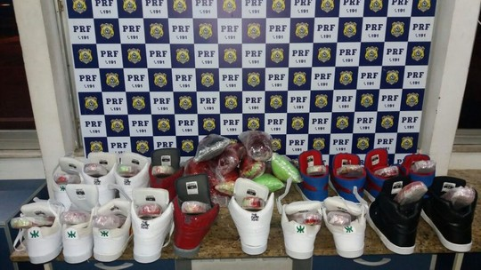 Idoso argentino é preso com 18 kg de cocaína escondidos em nove pares de tênis em Conquista