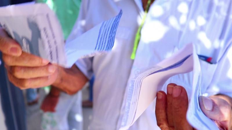 Tanhaçuenses protestam na sede da Embasa contra qualidade e abastecimento de água na cidade