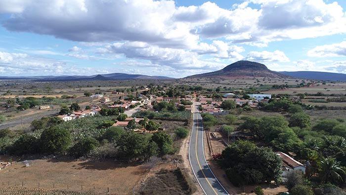 Brumado: Pavimentação asfáltica do trecho da BR-030 ao distrito de Umburanas será inaugurada nesta sexta (26)