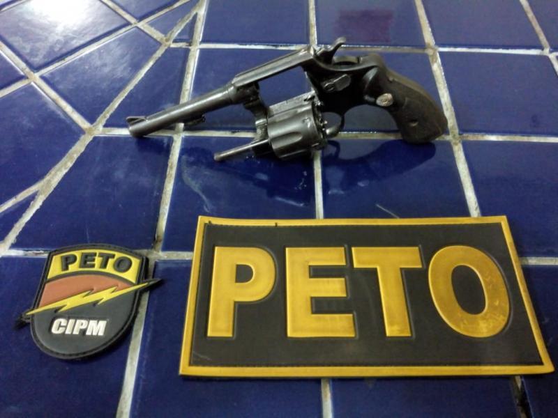 Brumado: Com passagem pela polícia por tráfico e roubos, homem é preso portando arma de fogo