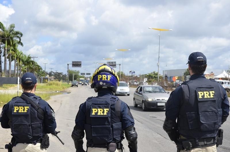 PRF abre concurso para 500 vagas de policial rodoviário: 17 para a Bahia