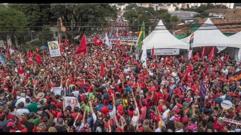 WALDENOR AGRADECE A LULA POR MUDANÇA NA POLÍTICA BAIANA