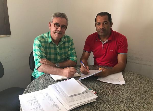 Brumado: Embasa elabora projeto de adutora para a comunidade Tanquinho e região