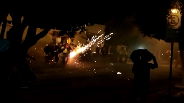 Após MP recomendar suspensão de tradição junina, 'espadeiros' e PM entram em confronto na Bahia