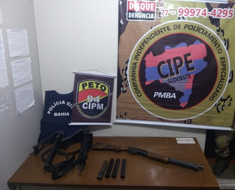 Bandidos fogem da delegacia de Caetité, roubam armas e morrem em confronto com a polícia