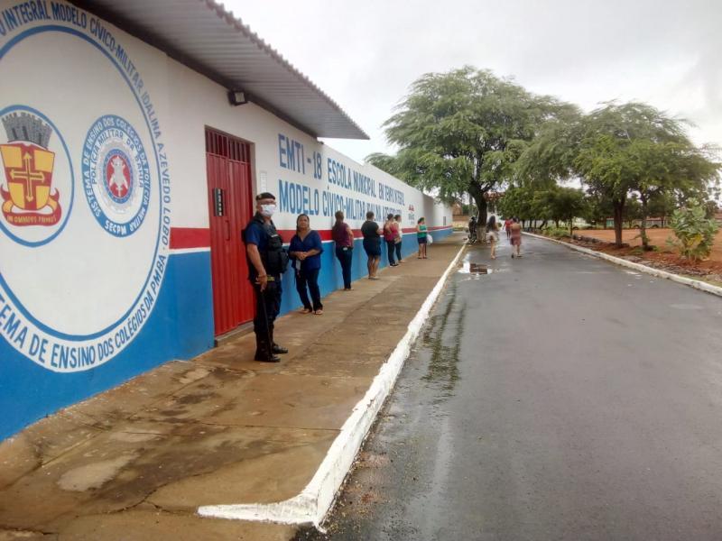 Brumado: SEMEC em parceria com a SESOC realizará segunda etapa de distribuição de cestas básicas para famílias de alunos da Sistema Municipal