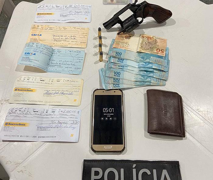Duas armas apreendidas em menos de 24 horas no interior da Bahia
