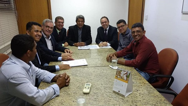 Gil Rocha se reúne com diretor da CAR e com secretário de Desenvolvimento Rural do estado onde conquistou mais benefícios para Guajeru