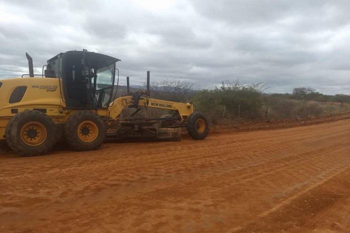 Obras de pavimentação asfáltica são intensificadas no trecho da BR-030 ao Distrito de Samambaia