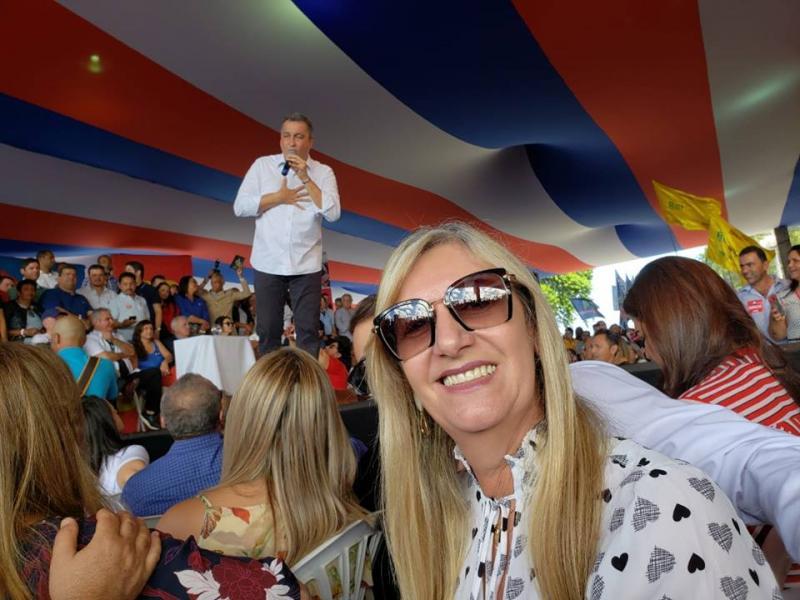 Prefeita de Malhada de Pedras participa de convenção do PT onde Rui Costa tem candidatura homologada
