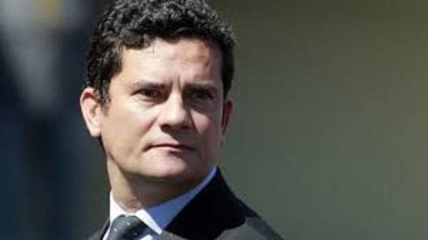 Paraná Pesquisas: 82,6% dos brasileiros acham que Bolsonaro acertou ao escolher Moro