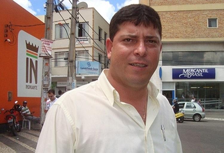 Vereador de Anagé é internado em estado grave após levar coice de cavalo