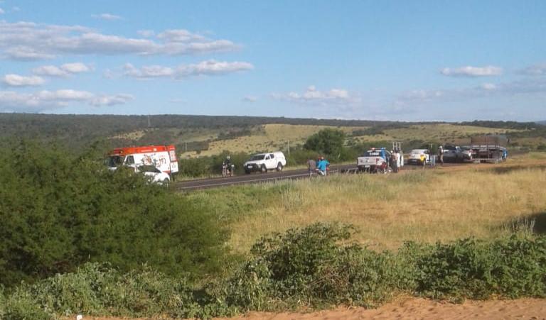 Atropelamento deixa uma vítima fatal na BA-262, em Brumado