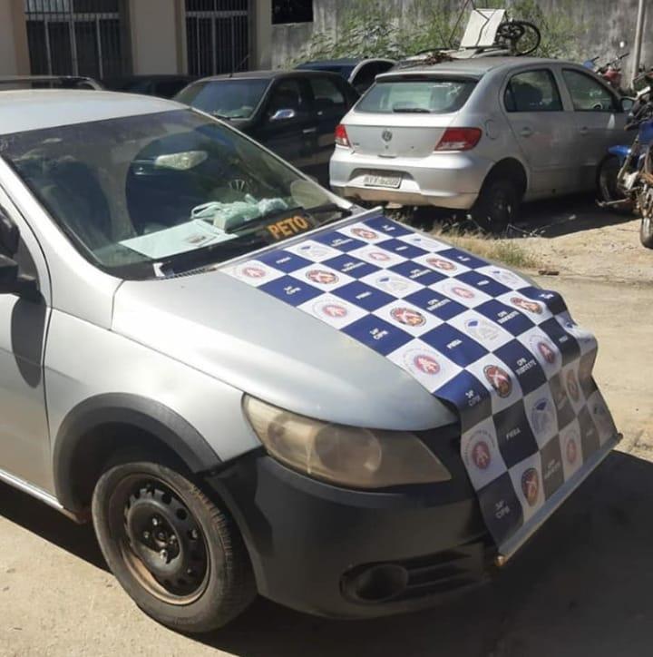 Brumado: Carro com placas de SP é apreendido pela polícia na Av. Coronel Santos