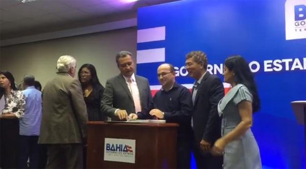 Prefeito de Jânio Quadros assina convênio com o governo do estado de R$ 330 mil