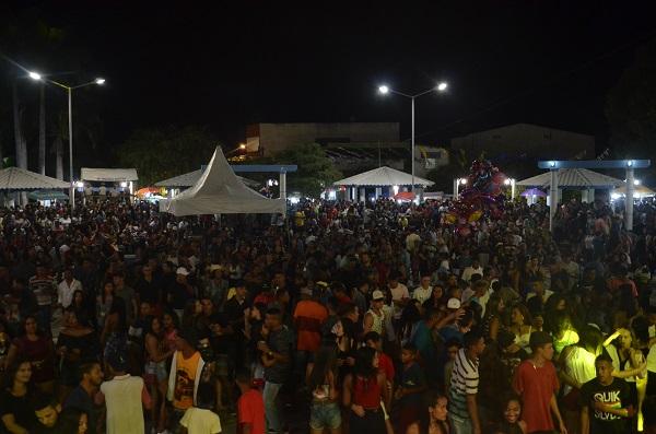 Brumadenses comemoram 141 anos da cidade em festa de aniversário