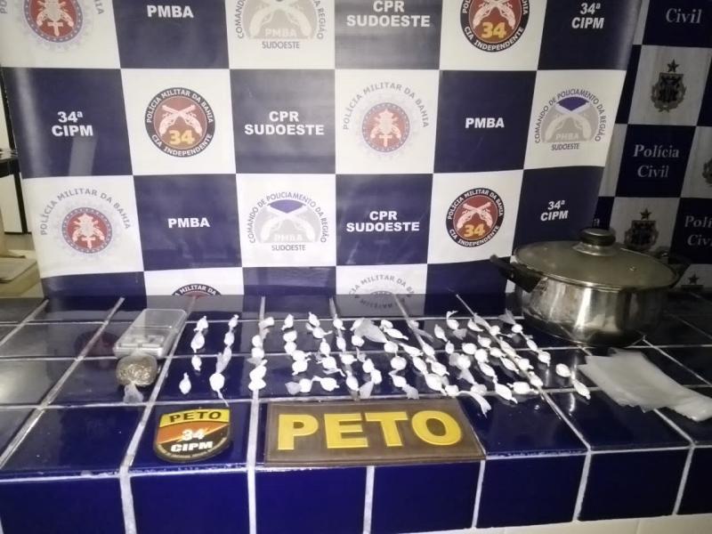 Polícia faz apreensão de droga em Brumado