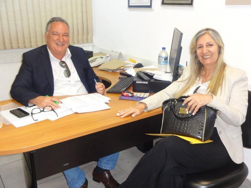 Prefeita de Malhada de Pedras viabiliza benefícios através do Deputado Ronaldo Carletto