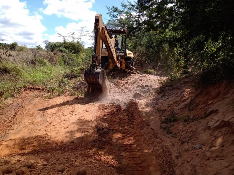 Malhada de Pedras: Obras são executadas na zona rural e urbana