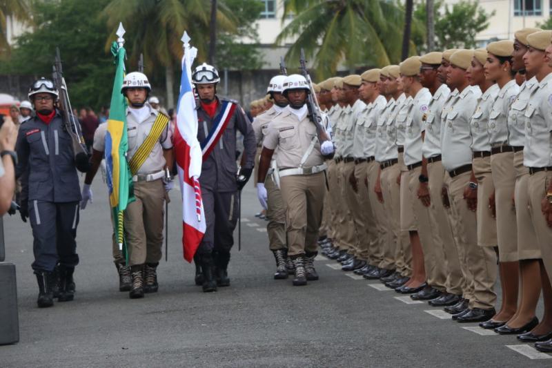 Polícia Militar e Corpo de Bombeiros formam 815 soldados na Bahia