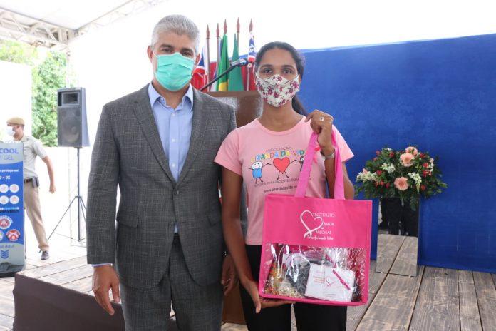 Outubro Rosa: SSP distribui perucas e itens de beleza para mulheres com câncer
