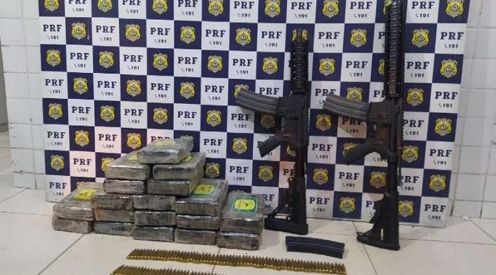Polícia apreende fuzis, munições e droga em compartimento secreto de veículo na BR 116 em Feira de Santana