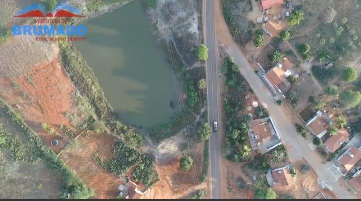 Brumado: Estrada do Distrito de Samambaia recebe pavimentação asfáltica
