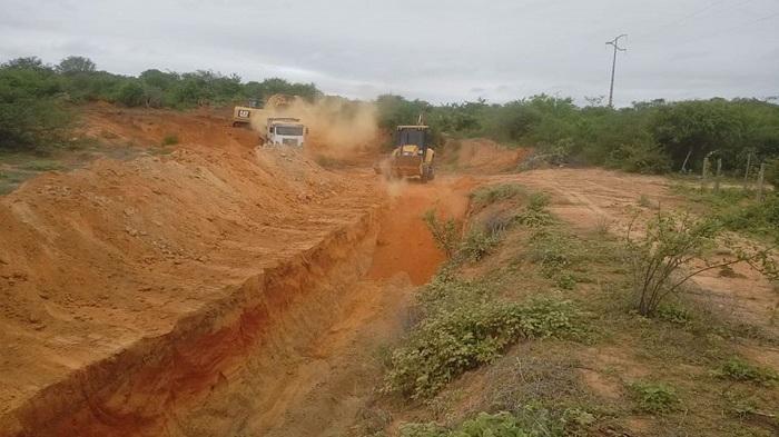 Malhada de Pedras: Prefeitura conclui com recursos próprios recuperação de barragem na fazenda Coqueiro