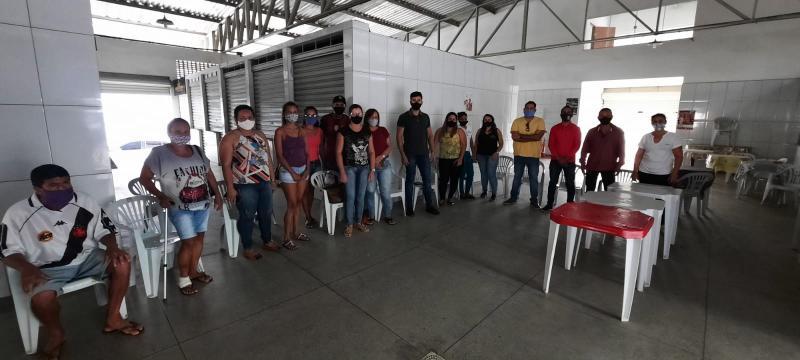 Comerciantes se mobilizam para tentar impedir que prefeito de Tanhaçu feche o Mercado Municipal