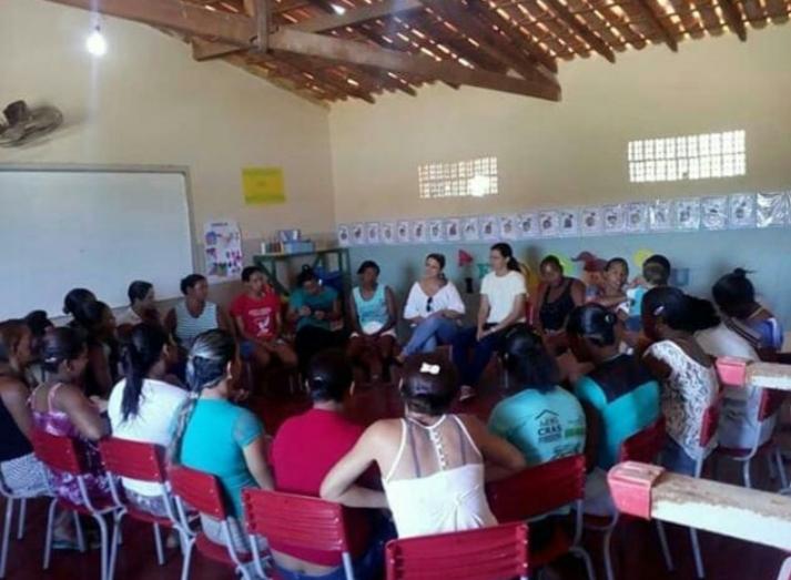 CRAS Sá Doninha de Aracatu realiza campanha em defesa da mulher