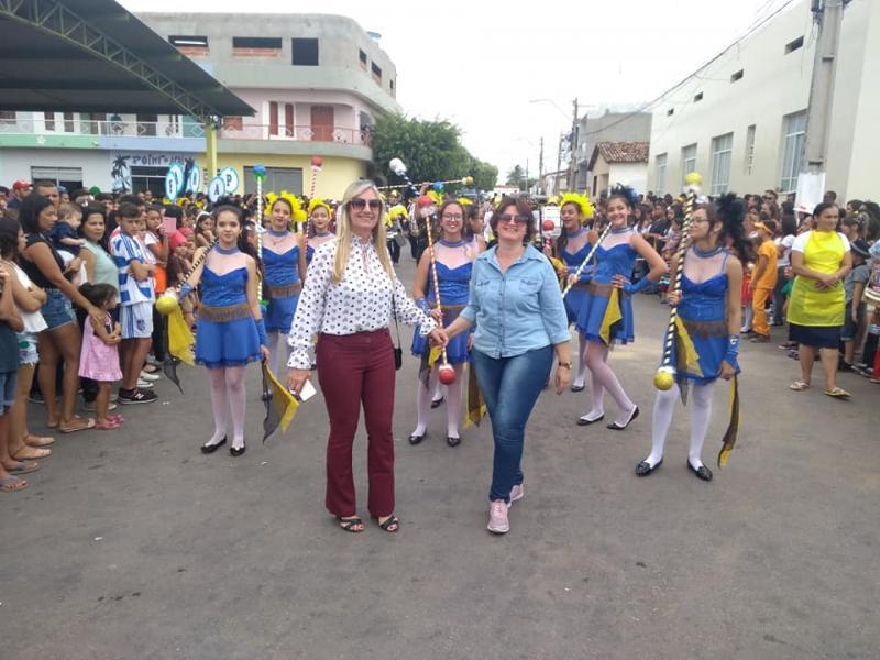 Malhada de pedras comemora 07 de Setembro com desfile cívico e apresentações de escolas