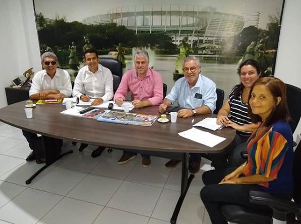Na SUDESB prefeito de Guajeru acompanha convênio da emenda do Deputado Federal Waldenor Pereira e do Deputado Estadual Zé Raimundo para a construção da Quadra Poliesportiva na Comunidade de Tanque Novo.