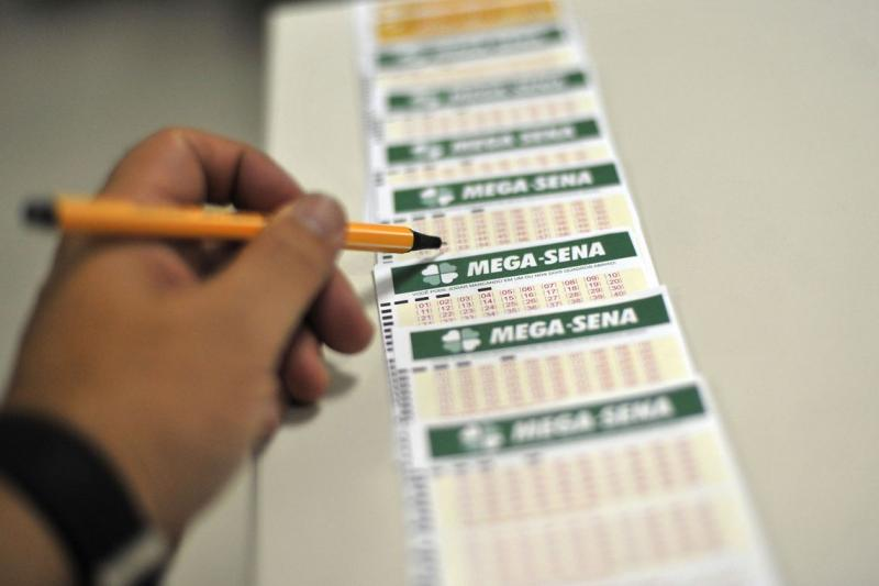 Prêmio da Mega-Sena pode chegar a R$ 33 milhões neste sábado