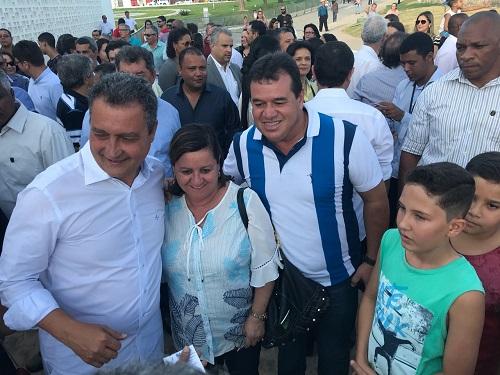 Prefeita de Aracatu, Leda Matias esteve na visita de Rui Costa à Policlínica de Guanambi