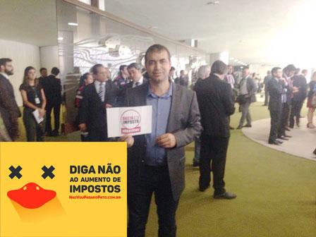 Alessandro Lôbo participa de lançamento de movimento contra reedição da CPMF em Brasília
