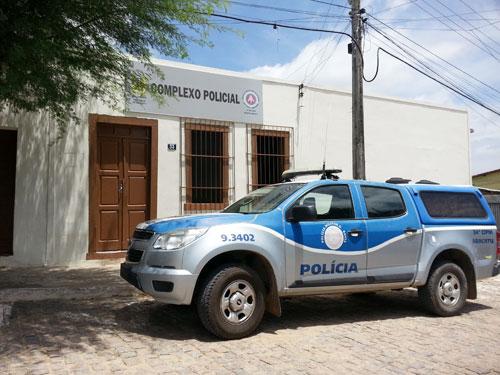 Homem é preso por agredir esposa e filha no município de Aracatu