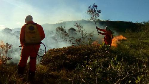 Barra da Estiva volta a registrar incêndio florestal, desta vez no Morro da Torre