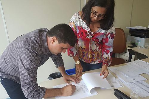 Prefeito de Barra da Estiva reduz o próprio salário, os dos secretários e dos cargos comissionado para conter gastos