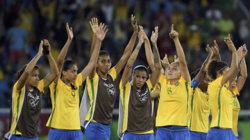 Brasil atropela a China e começa com o pé direito a busca pelo ouro no futebol feminino