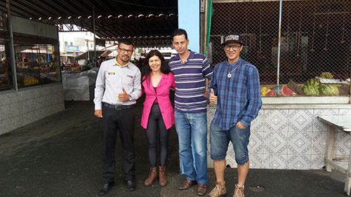 Grupo Amigos do Patagônia visitam a feira livre do bairro