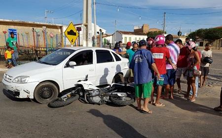 Motociclista morre após colisão com um carro em Livramento