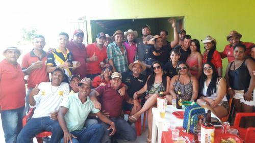 Tôe Brito, marca presença em evento de montaria em Tanhaçu