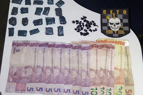 Mulher é presa após ser encontrada 25 pedras de crack em sua vagina em Guanambi