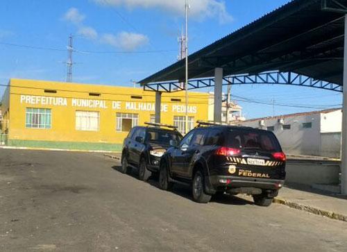 PF realiza operação contra fraude em transporte escolar cumpre mandados em Malhada de Pedras e outras cidades da Bahia