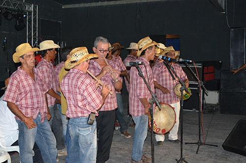 A tradição do Festival de Terno de Reis foi realizado em Aracatu